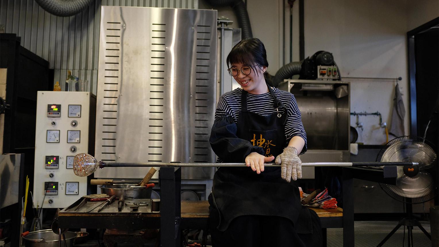 Glass making 02crop