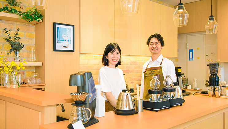 Wanting to Interact with Customers and Convey the Appeal of the Product: The Life with Coffee HARIO Offers Through Its Café